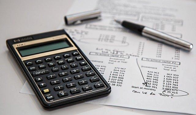 Foto calcolatrice e costi